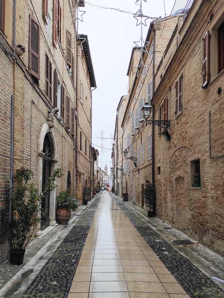 viuzza centro storico Porto San Giorgio