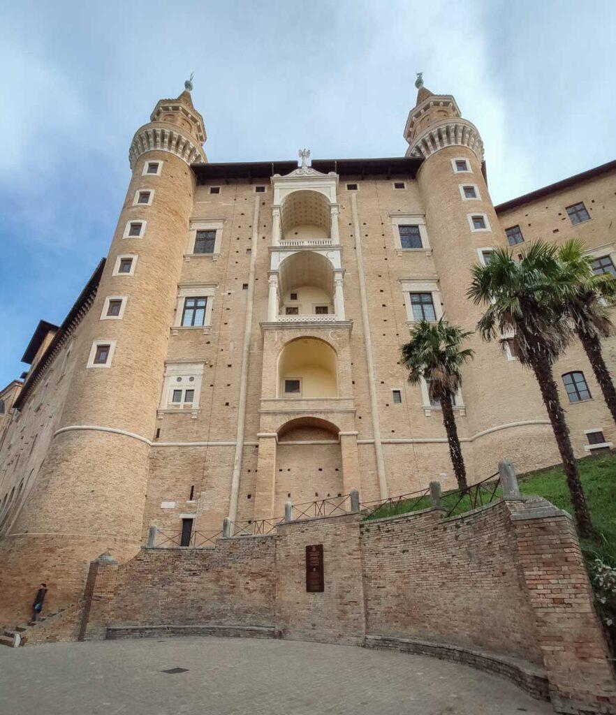 Palazzo Ducale, facciata da sotto