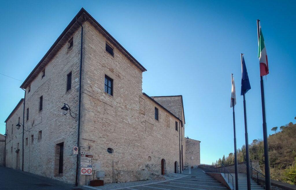 palazzo municipio Genga