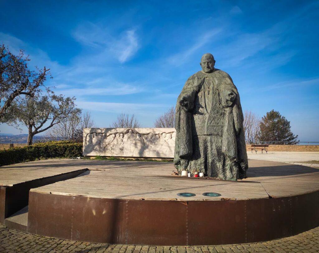 Statua Papa Giovanni XXIII