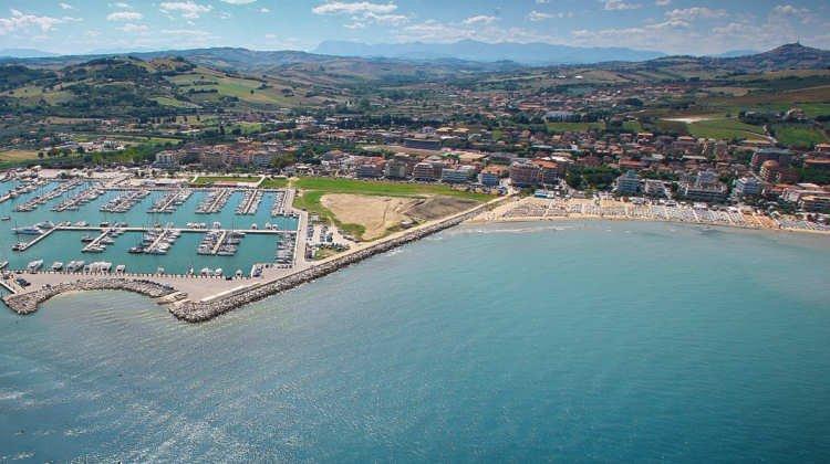 le spiagge piu belle della provincia di macerata e fermo