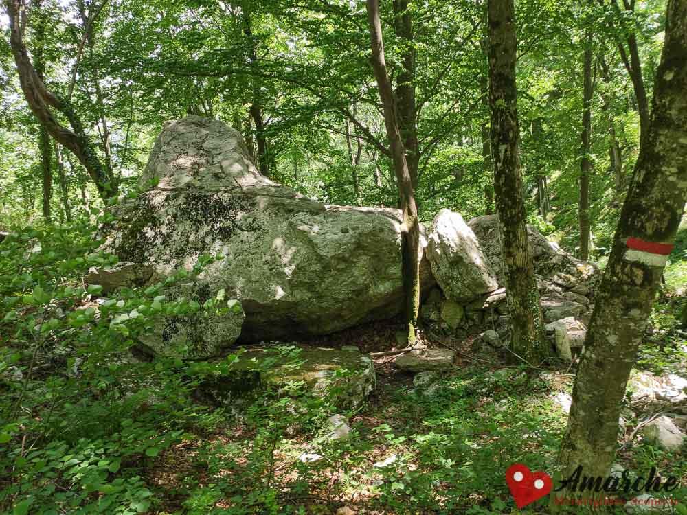 trekking percorso anello fonte avellana